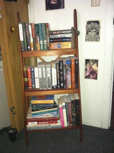 Post Thumbnail of On the Booklovers' Shelves: DRACONISMOI HAS BOOKSHELVES!!!