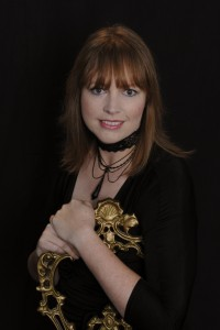 Shona Husk Author Photo 1